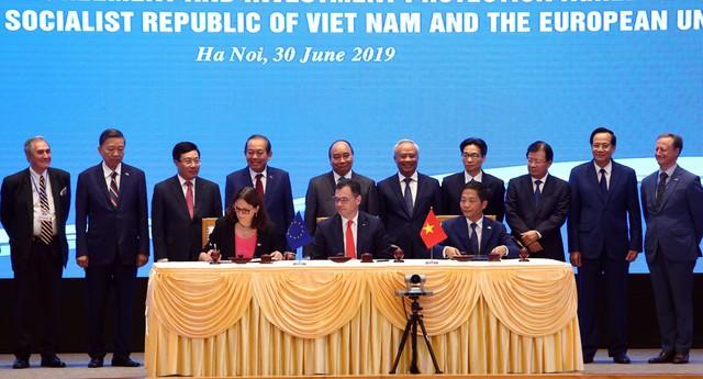 Chính thức ký Hiệp định thương mại EVFTA: Cú hích làn sóng đầu tư từ EU vào Việt Nam  - Ảnh 2.
