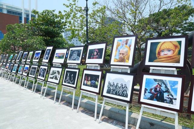 Triển lãm ảnh nghệ thuật Lâm Đồng đổi mới và phát triển - Ảnh 1.