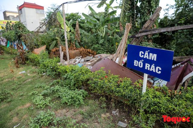 Hà Nội: Sau 2 năm khánh thành, rác vây phố Trịnh Văn Bô, níu chân người đi đường - Ảnh 11.