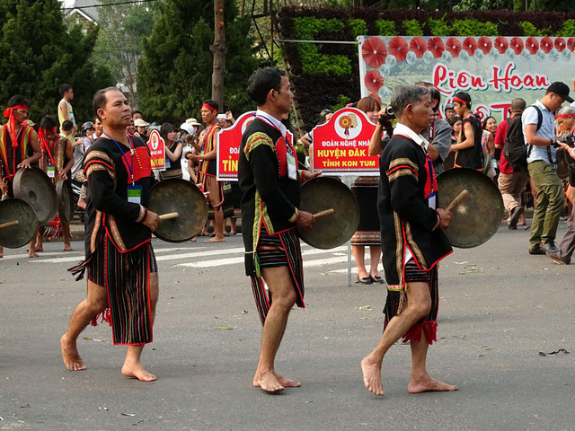 Kon Tum: Độc đáo Liên hoan văn hóa, văn nghệ các dân tộc thiểu số - Ảnh 1.