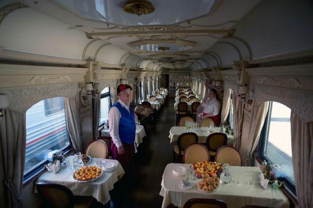 Hành trình tàu lửa đầu tiên Nga – Na Uy xuyên Bắc Cực có gì hot? - Ảnh 2.