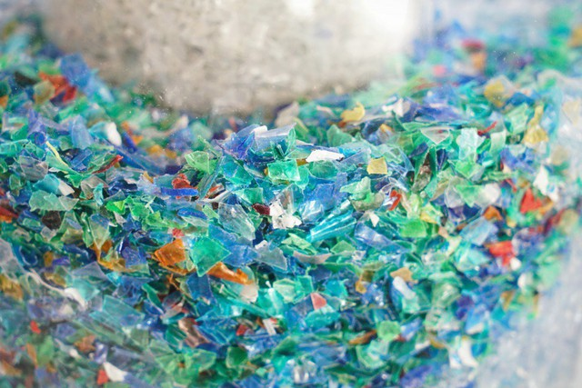 Kinh hoàng cơ thể người tiêu hóa tới 130.000 mảnh vi nhựa/năm và nguyên nhân đến từ thứ không ai ngờ tới - Ảnh 2.