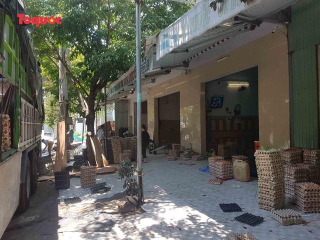 Nguy cơ ô nhiễm môi trường từ cơ sở kinh doanh trứng gia cầm giữa trung tâm Đà Nẵng - Ảnh 3.