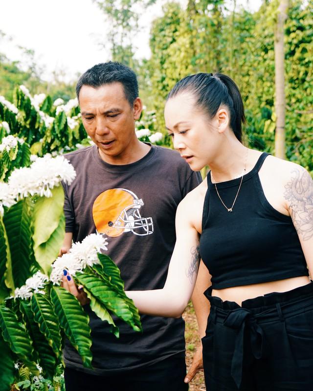 Cô gái gốc Việt trải lòng về kỷ lục độc đầu tiên tại Mỹ và tiệm cà phê phin giữa lòng New York - Ảnh 2.