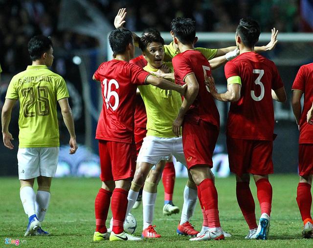 Trước áp lực dư luận, Messi Thái phải chính thức xin lỗi Đoàn Văn Hậu và đội tuyển Việt Nam - Ảnh 2.