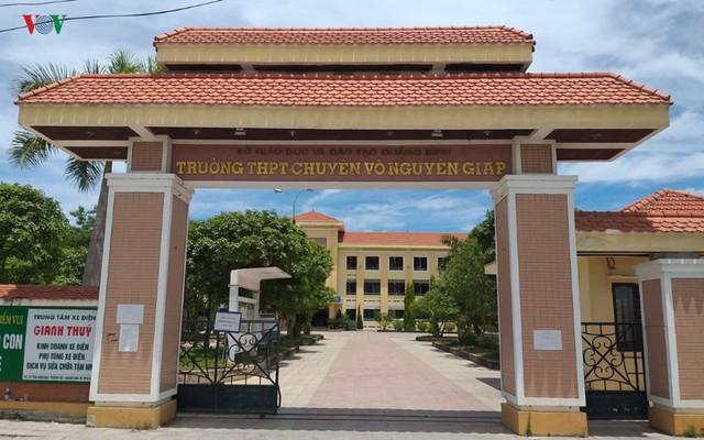 Thí sinh không biết lịch thi lại ở Quảng Bình được xét tuyển vào Trường THPT Nguyễn Bỉnh Khiêm  - Ảnh 1.