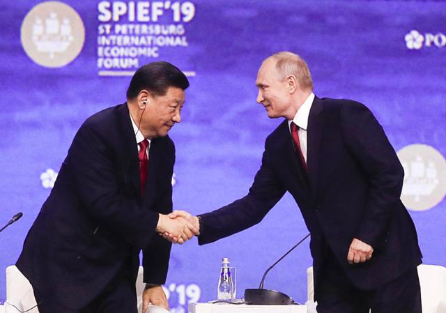 Chủ tịch Tập Cận Bình hé lộ thứ không chỉ Trung Quốc mà cả Mỹ và Nga đều muốn tránh  - Ảnh 1.