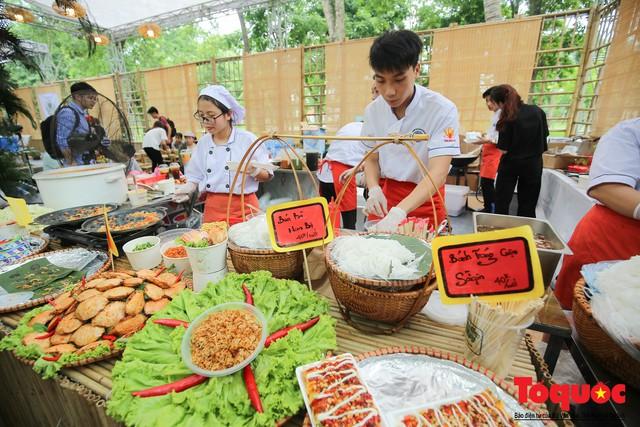 Tinh hoa ẩm thực ba miền hội tụ tại lễ hội văn hóa ẩm thực Hà Nội 2019 - Ảnh 19.