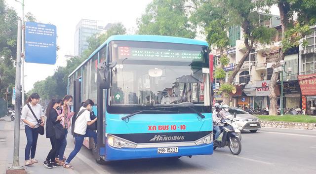 Hà Nội sẽ đưa vào khai thác thêm 4 tuyến xe buýt sử dụng nhiên liệu sạch  - Ảnh 1.