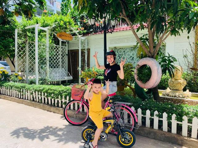 Căn biệt thự ngập tràn hoa và cây ăn quả của nữ ca sĩ Vy Oanh - Ảnh 6.