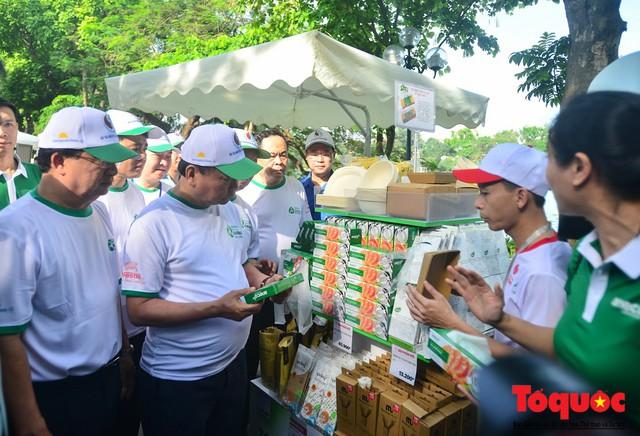 Thủ tướng Nguyễn Xuân Phúc phát động toàn quốc chống rác thải nhựa - Ảnh 12.
