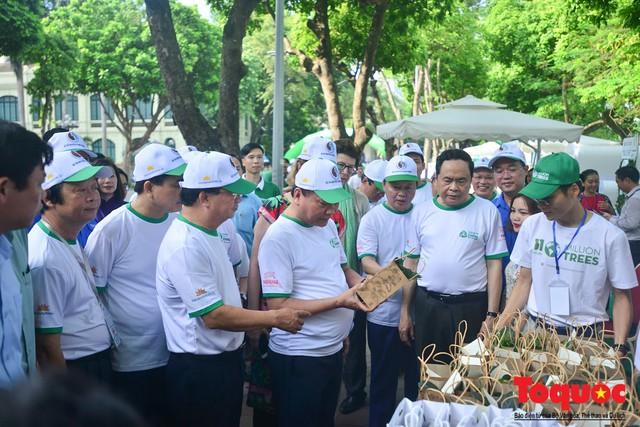Thủ tướng Nguyễn Xuân Phúc phát động toàn quốc chống rác thải nhựa - Ảnh 10.
