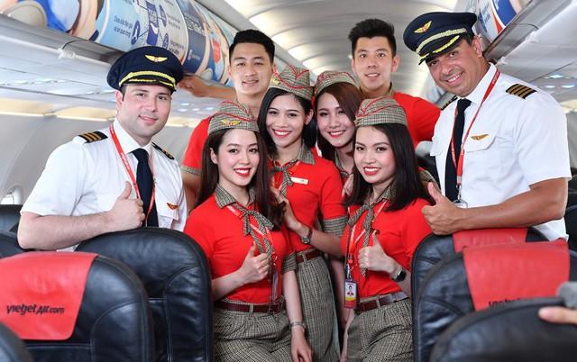 Vietjet cho vay đến 15 triệu đồng để mua vé máy bay trả góp - Ảnh 1.