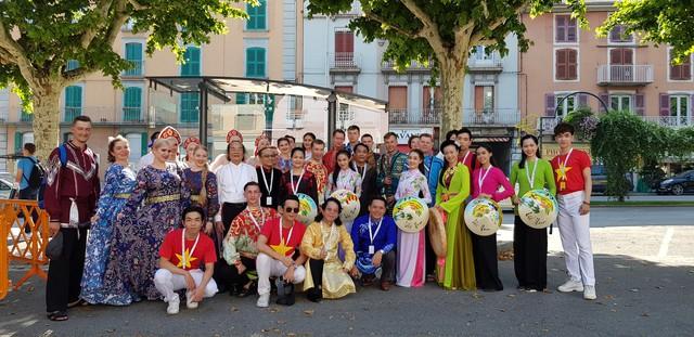 Dấu ấn Việt tại Festival văn hóa dân gian thế giới   - Ảnh 3.