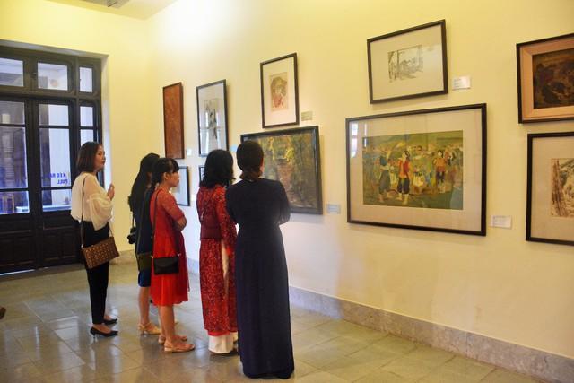 Hợp tác trưng bày giữa Bảo tàng Mỹ thuật Việt Nam và Bảo tàng Mỹ thuật Huế - Ảnh 3.