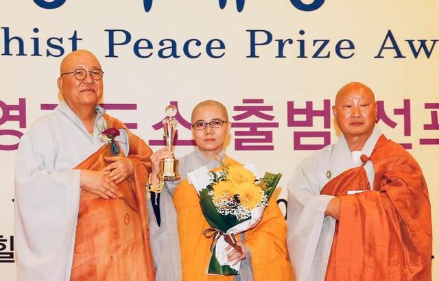 Chủ tịch Hội Phật tử Việt Nam tại Hàn Quốc được vinh danh - Ảnh 1.