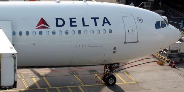 Hành khách tự xưng là Chúa, quấy rối buồng lái buộc hàng không hạ cánh khẩn - Ảnh 1.