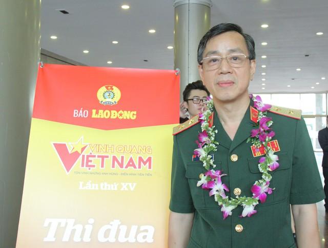 """Quang Hải là một trong số 12 cá nhân được tôn vinhtrong chương trình Vinh quang Việt Nam"""" năm 2019 - Ảnh 2."""