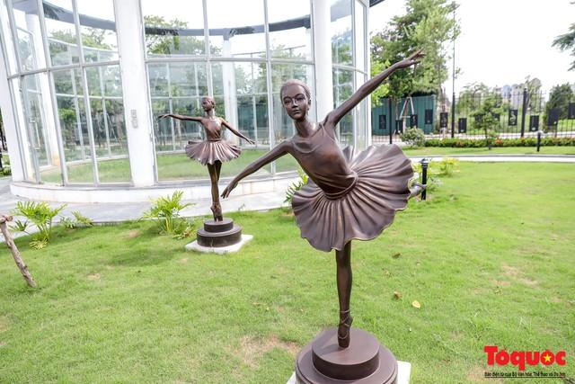 Toàn cảnh công viên âm nhạc với hình dáng cây đàn ghita sắp hoàn thiện ở Hà Nội - Ảnh 7.