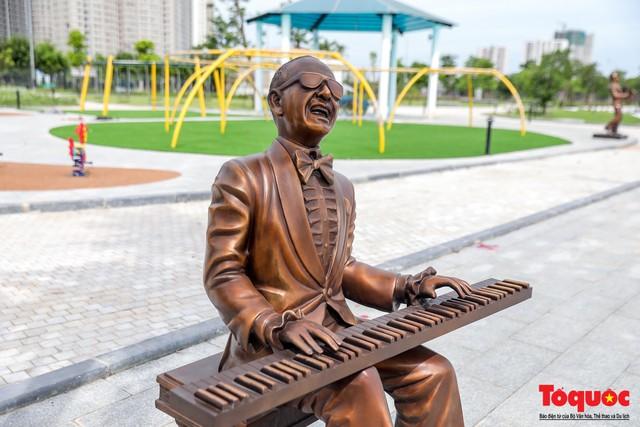 Toàn cảnh công viên âm nhạc với hình dáng cây đàn ghita sắp hoàn thiện ở Hà Nội - Ảnh 8.
