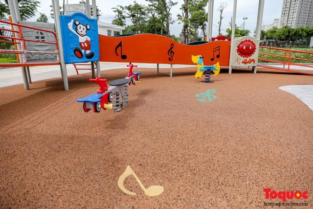 Toàn cảnh công viên âm nhạc với hình dáng cây đàn ghita sắp hoàn thiện ở Hà Nội - Ảnh 10.