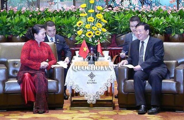 Chủ tịch Quốc hội tiếp Bí thư Tỉnh ủy Giang Tô - Ảnh 1.