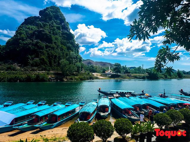 Quảng Bình: Hàng loạt điểm du lịch giảm 50% phí tham quan đến hết năm 2020 - Ảnh 1.