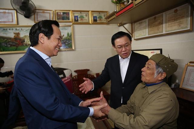 Phó Thủ tướng dâng hương Chủ tịch Hồ Chí Minh, thăm người có công Nghệ An  - Ảnh 3.
