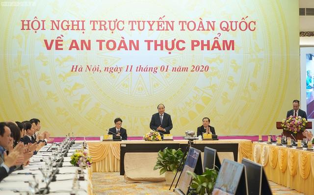 Thủ tướng: Quy mô sản xuất nhỏ lẻ đưa đến nhiều nguy cơ mất an toàn thực phẩm - Ảnh 1.