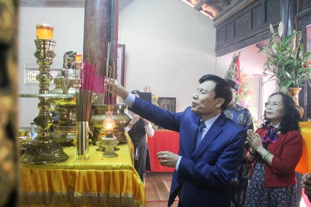 Phủ thờ và Lăng mộ Diên Khánh Vương đón nhận bằng xếp hạng Di tích quốc gia - Ảnh 1.