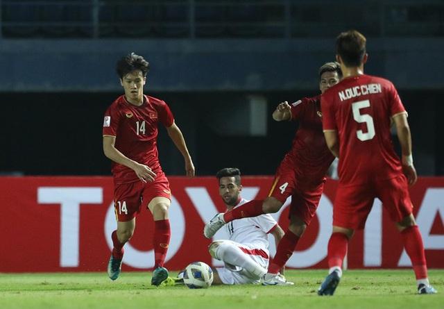 """HLV Park Hang-seo: """"Chúng ta phải chấp nhận điều lệ giải, U23 Việt Nam sẽ chơi tấn công trong trận cuối cùng"""" - Ảnh 1."""