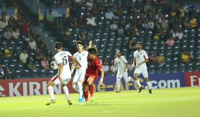 [Trực tiếp] U23 Việt Nam - U23 Jordan: Hiệp 1 kết thúc, tỷ số tạm hòa 0-0 - Ảnh 3.