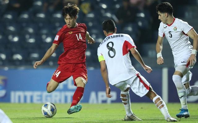 Gặp đối thủ khó, U23 Việt Nam tiếp tục bị cầm chân - Ảnh 1.