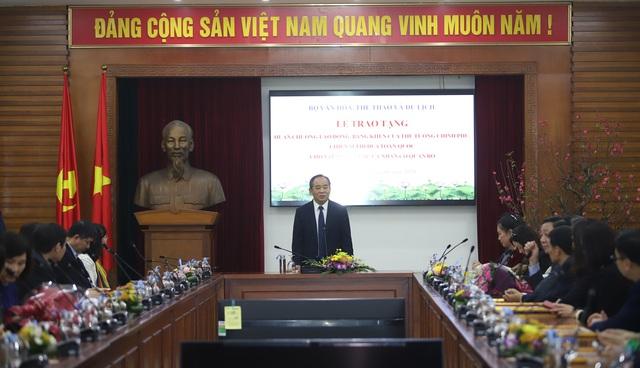 Trao tặng nhiều Huân chương của Chủ tịch nước, Bằng khen của Thủ tướng Chính phủ cho các tập thể, cá nhân xuất sắc thuộc Bộ VHTTDL - Ảnh 4.