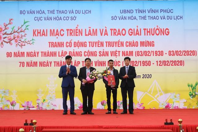 Trao giải tranh cổ động tuyên truyền chào mừng kỷ niệm 90 năm Ngày thành lập Đảng Cộng sản Việt Nam - Ảnh 4.