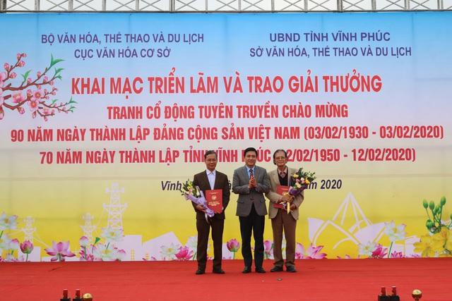 Trao giải tranh cổ động tuyên truyền chào mừng kỷ niệm 90 năm Ngày thành lập Đảng Cộng sản Việt Nam - Ảnh 3.