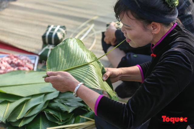 Hơn 1000 bánh chưng xanh cùng người nghèo ăn Tết Canh Tý 2020 - Ảnh 3.