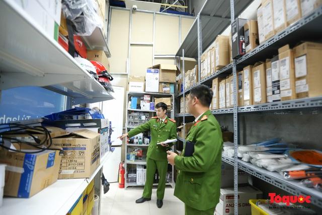 Kiểm tra đột xuất công tác PCCC tại đại siêu thị Aeon Mall Long Biên - Ảnh 2.