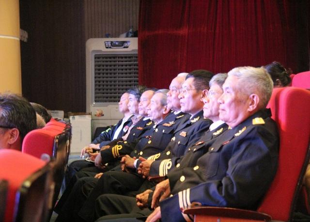 """Chương trình nghệ thuật """"Xuân Trường Sa"""" 2020: Tôn vinh chiến sĩ Hải quân - Ảnh 11."""