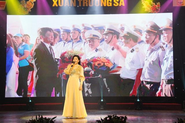 """Chương trình nghệ thuật """"Xuân Trường Sa"""" 2020: Tôn vinh chiến sĩ Hải quân - Ảnh 6."""