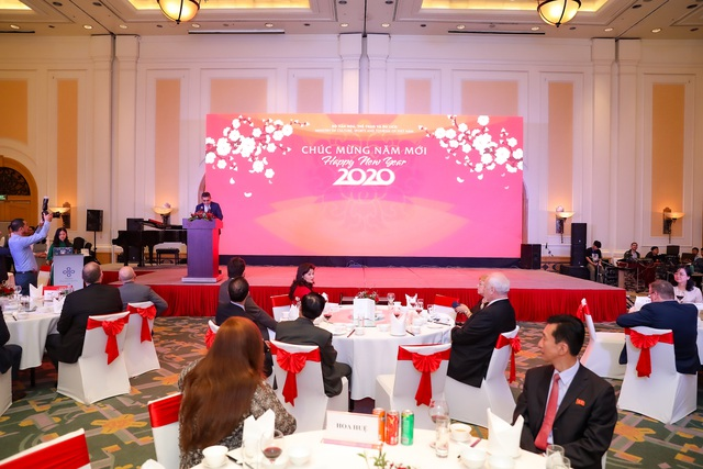 Bộ trưởng Nguyễn Ngọc Thiện tiếp các Đại sứ nước ngoài tại Việt Nam nhân dịp Tết Canh Tý 2020 - Ảnh 1.