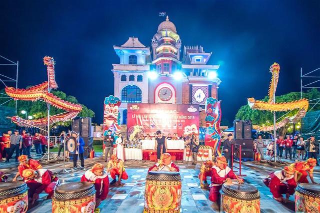 Tết này, Đà Nẵng đã có lễ hội hoa Xuân Phát Tài còn rực rỡ hơn - Ảnh 3.