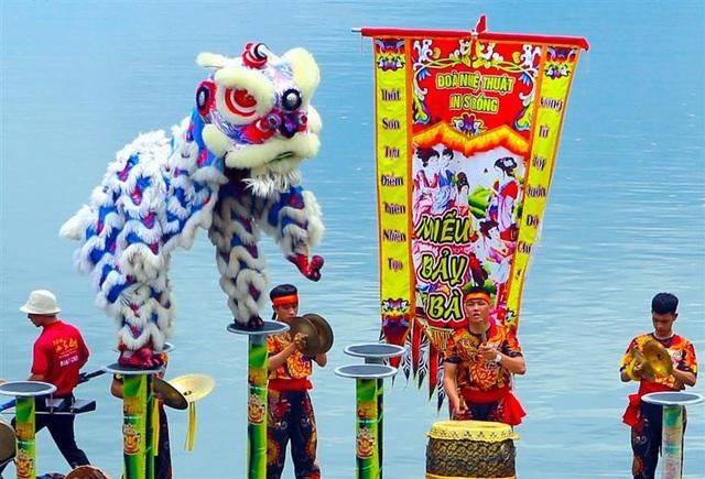 Tết này, Đà Nẵng đã có lễ hội hoa Xuân Phát Tài còn rực rỡ hơn - Ảnh 5.