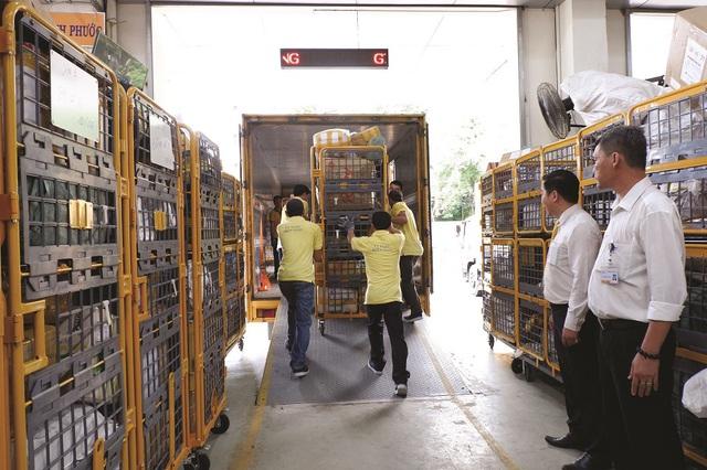 Khẩn trương đảm bảo chuyển phát hàng hóa trước Tết Nguyên đán  - Ảnh 3.