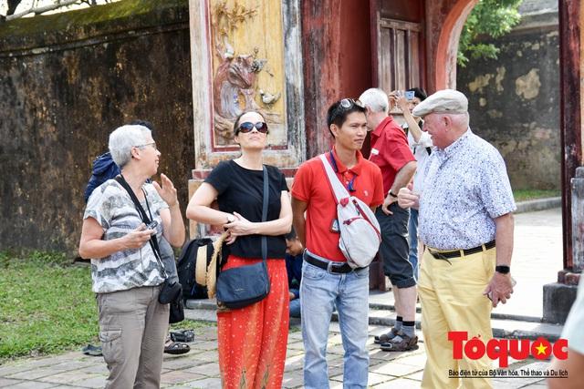 Du khách thích thú xem tái hiện nghi lễ dựng nêu đón Tết tại Kinh thành Huế - Ảnh 15.
