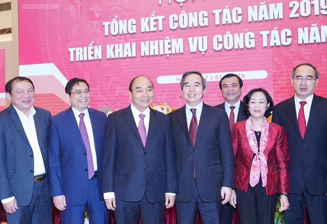 Thủ tướng đề nghị Ban Kinh tế Trung ương đề xuất xử lý nhiều vấn đề chiến lược - Ảnh 3.