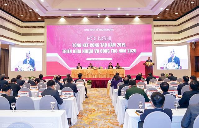 Thủ tướng đề nghị Ban Kinh tế Trung ương đề xuất xử lý nhiều vấn đề chiến lược - Ảnh 2.