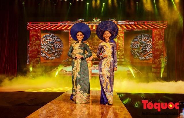 Đạo diễn Nguyễn Lan Vy: Người phụ nữ Huế nặng tình với tà áo dài dân tộc - Ảnh 3.