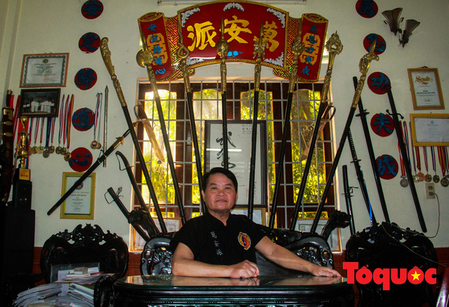 Gặp gia đình võ sư 5 đời giữ lửa cho võ cung đình Huế - Ảnh 1.