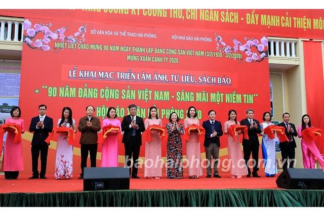 Hải Phòng, Hà Nam khai mạc hội báo xuân, triển lãm ảnh, tư liệu kỷ niệm 90 năm Ngày thành lập Đảng - Ảnh 1.